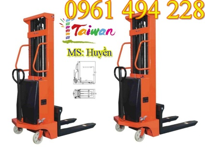 semi-electric-stacker-image-main-1200x1200