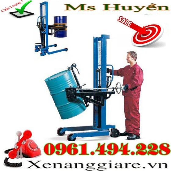xe-nang-quay-do-phuy-350-kg-tai-Thanh-Oai---
